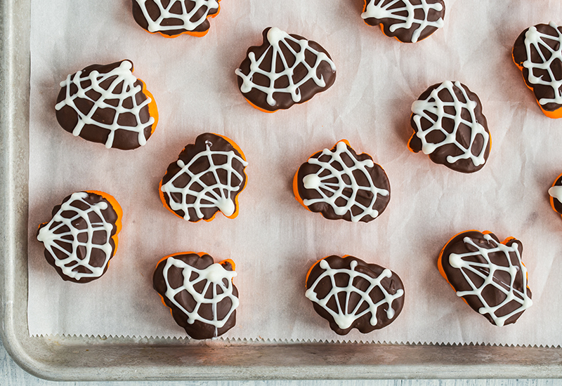 spider-dipped-hallow-mallows-3-of-5