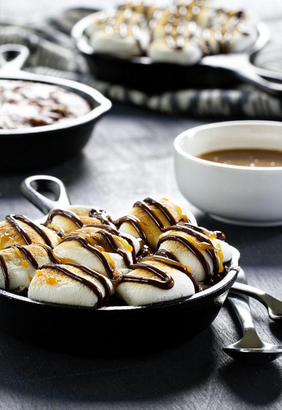 skillet brownie marshamllow s'mores