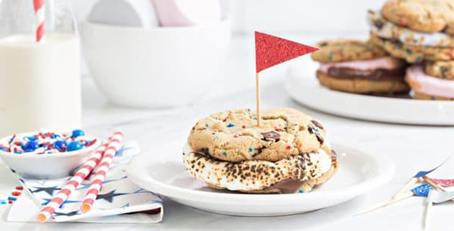 Chocolate Chip Cookies S'mores