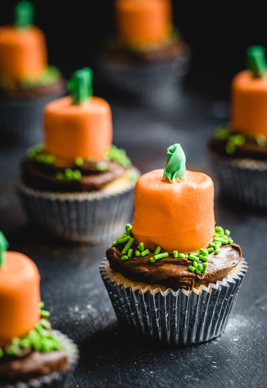 how to make Pumpkin Cupcake Toppers