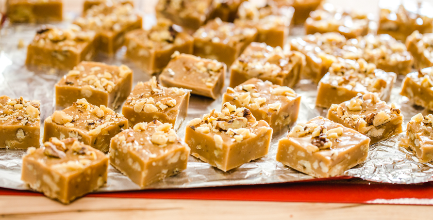 Pieces of Gingerbread Marshmallow Fudge with Walnuts