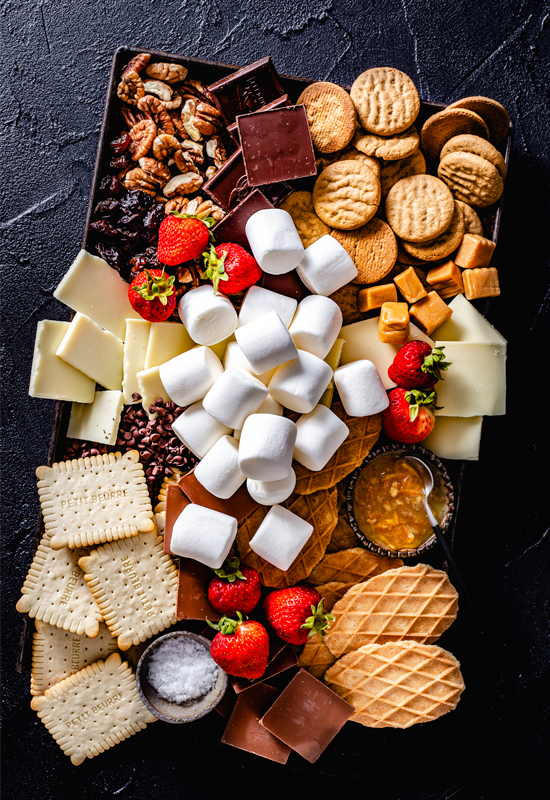 tray of food to make s'mores
